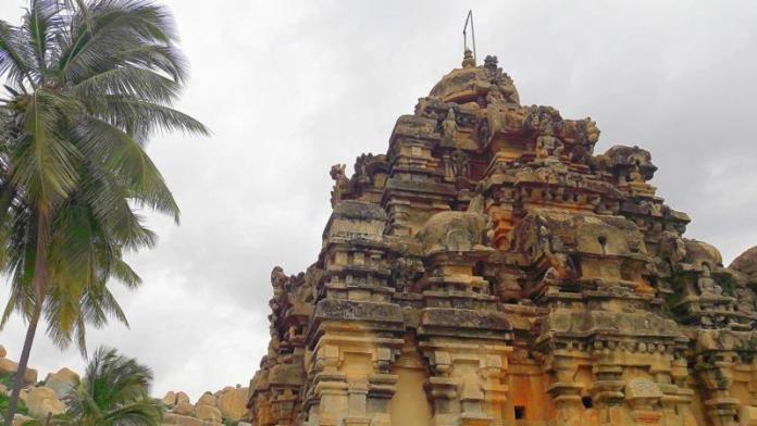 अवनी के रामलिंगेश्वर मंदिर का शिखर