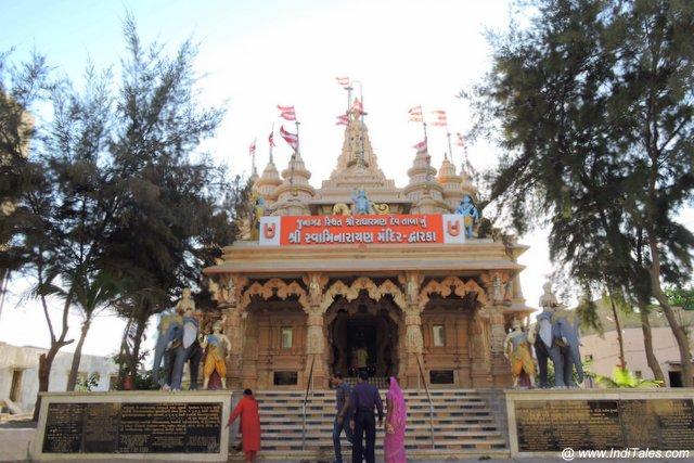 द्वारका का स्वामीनारायण मंदिर