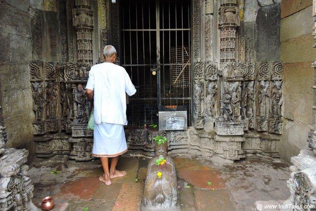 ओंकारेश्वर परिक्रमा पर कई नए पुराने मंदिर पड़ते हैं