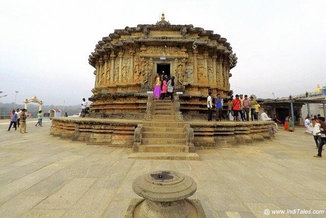 श्रृंगेरी विद्याशंकर मंदिर का प्रवेश द्वार