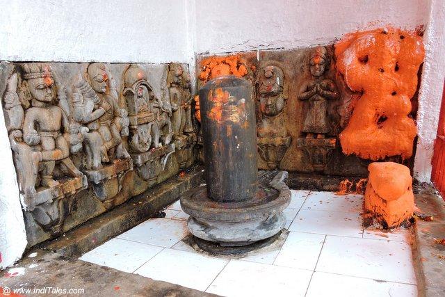 प्राचीन शिवलिंग - भरद्वाज मुनि आश्रम प्रयागराज के प्राचीन मंदिर