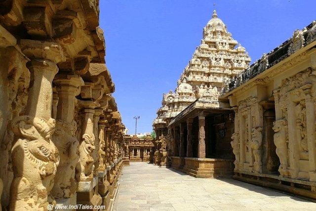 कैलाश्मंथ मंदिर का प्रदक्षिणा पथ