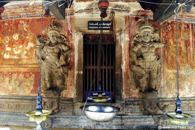 पाषाण के द्वारपाल - केरल का शंकर नारायण मंदिर