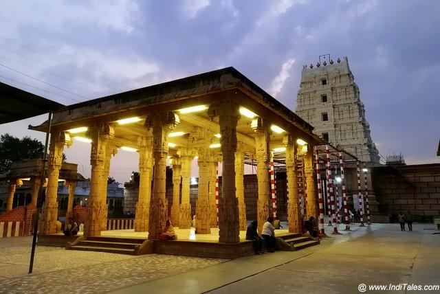 दक्षिण भारतीय शैली में श्री रंगनाथ जी मंदिर