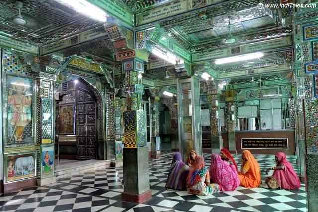 Women worshiping in Charbhuja temple