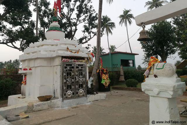 शिव मंदिर - हीरापुर