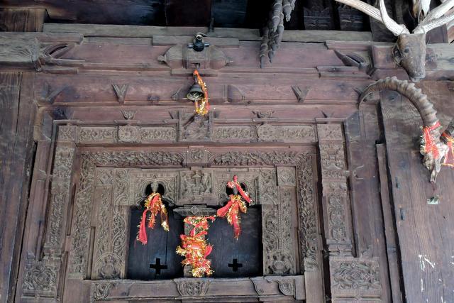मनाली हिडिम्बा देवी मंदिर की काष्ठ कला