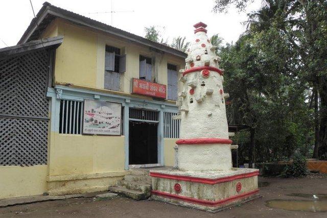 भवानी शंकर मंदिर एवं दीपस्तंभ
