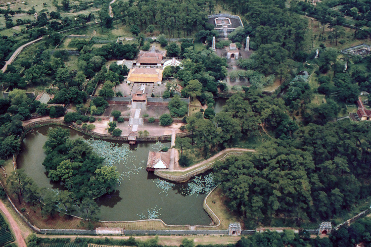 Tu Duc Tomb Travel Guide  Photos Cheap City Tours Hue