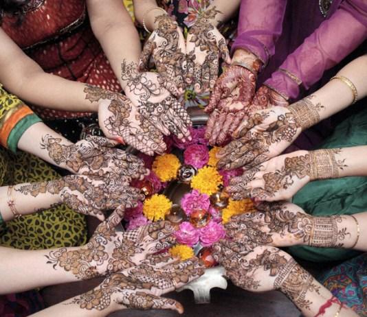 Mehndi or Henna Traditional Tattoo: karwa chauth mehendi