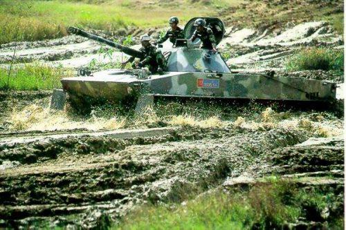 PT-76 yang telah diretrofit, kini sudah dipasangi meriam 90mm