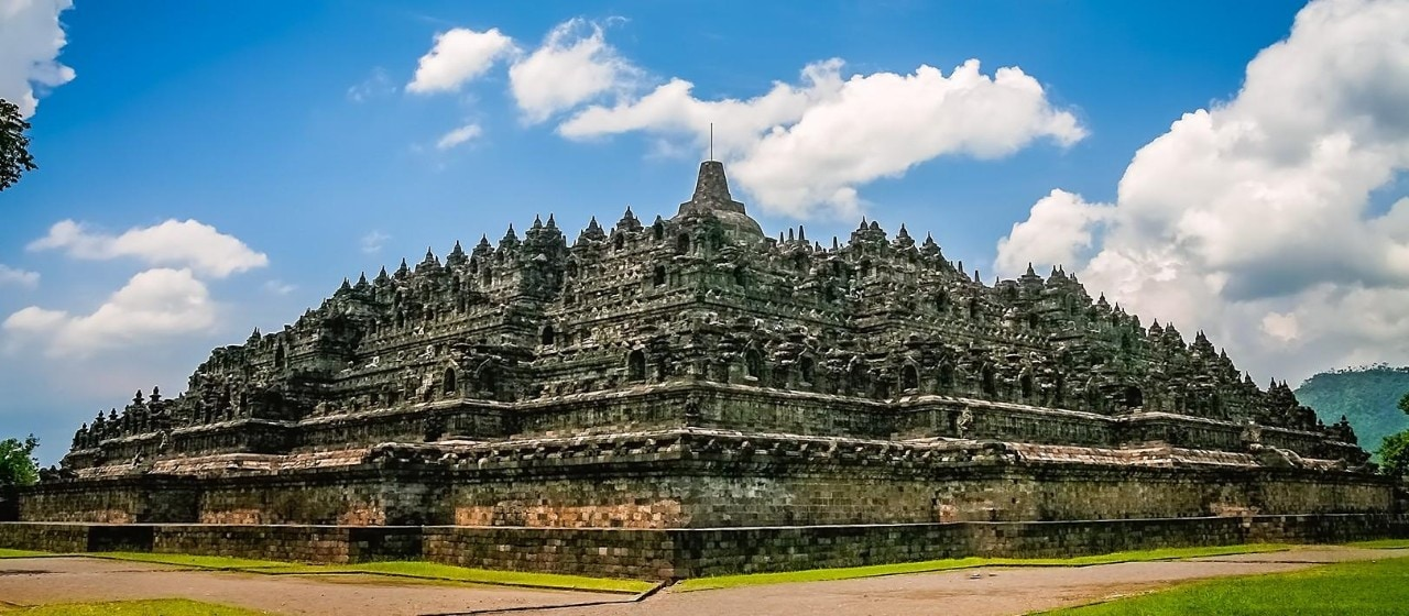 8 Beautiful Hotels Closest To Magnificent Borobudur