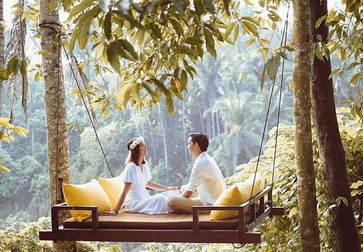 12 romantic places to
