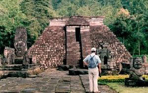 Candi sukuh, Piramida suku Maya di tengah pulau jawa
