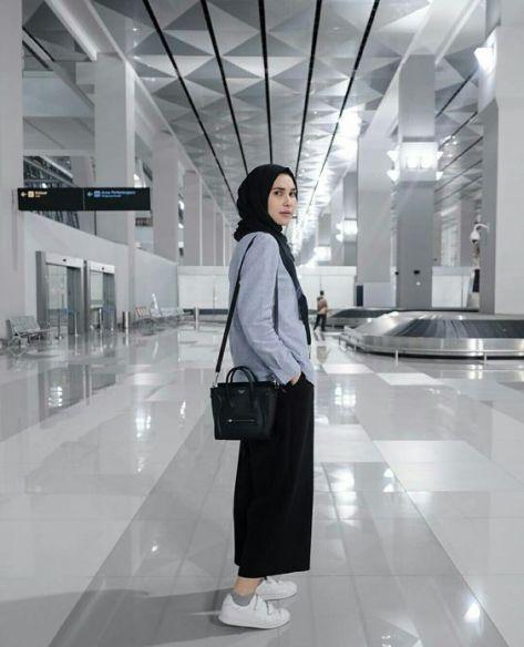 Mau Travelling Kamu Yang Berhijab Coba 12 Gaya Berpakaian Ini Bikin Ootd Mu Makin Kece