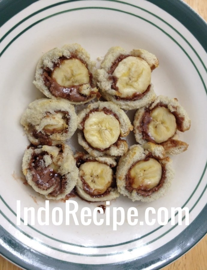 Oven Toasted Banana Roll-Ups