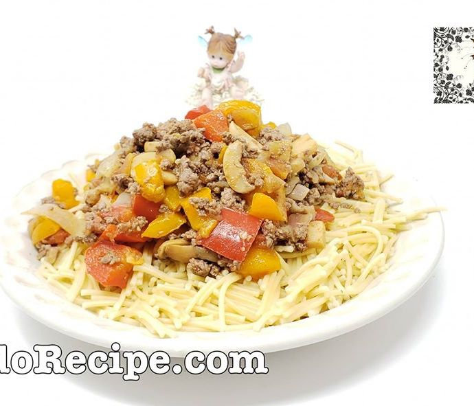 Broken Spaghetti with Meat Sauce