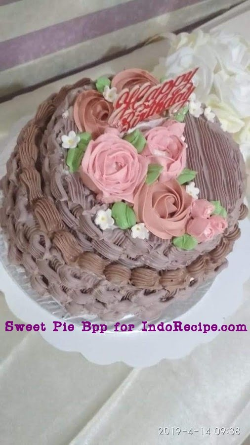 Surprise Money Cake (Buttercream Cream Sponge Cake)