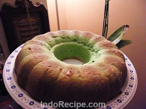 Pandan Sponge Cake (Bolu Pandan)