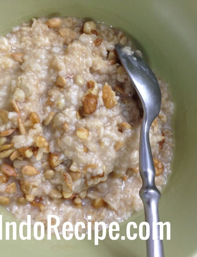 Walnut Crumbs Oatmeal