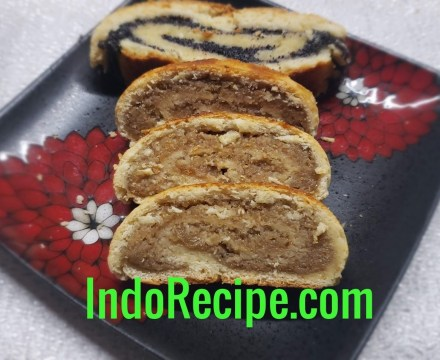 Bejgli (Hungarian Pastry with Poppy Seeds and Walnut)