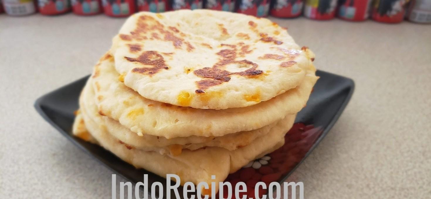 Cheese and Garlic Flatbread (Naan)