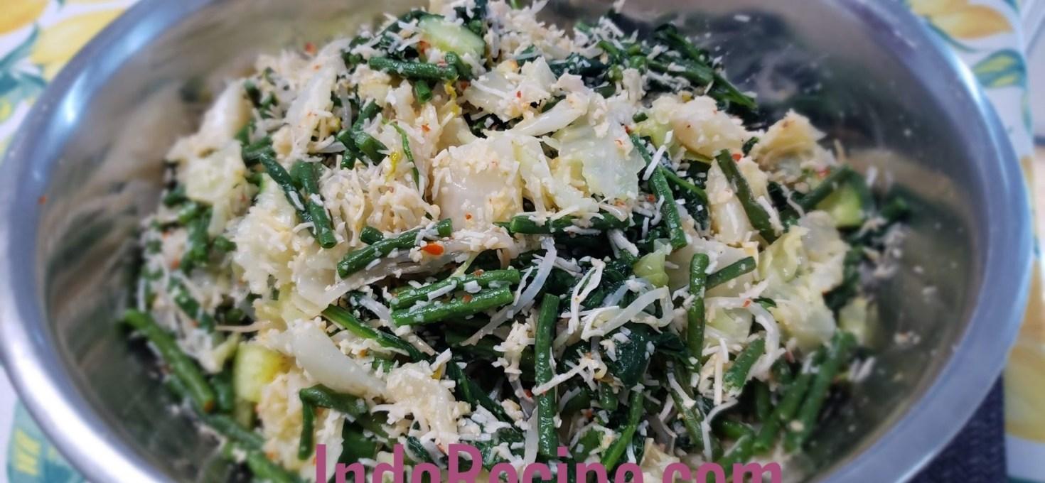 Spicy Coconuty Veggies Salad (Urap Sayur)