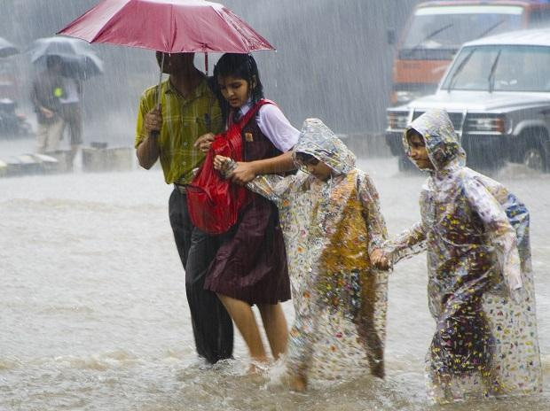 Southwest Monsoon in India Moves Rapidly to Cover Two-Thirds; Heavy Rains to Hit from Karnataka to Odisha