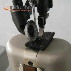 Foto de acercamiento de máquina de poste de cilindro c1682c7d4e6