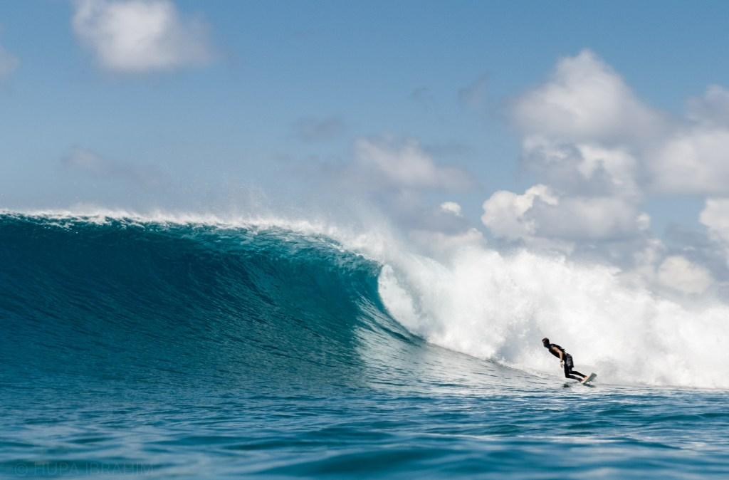 Thulusdhoo Island Surfing