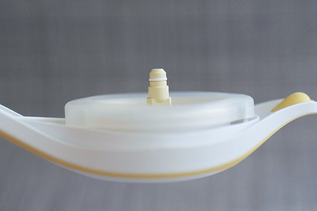 Close up of o-ring part on handle of Medela Harmony pump.