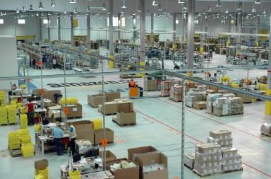 Amazon ist und bleibt die größte Herausforderung für den Einzelhandel: Damit dieser nicht ausstirbt, sei eine dringende Veränderung in der Ausrichtung der Läden notwendig, erklärt die Software AG in einer Pressemitteilung.