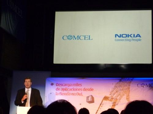 Juan Carlos Archila, presidente de Comcel, dio la bienvenida al N8 de Nokia en un evento para periodistas.