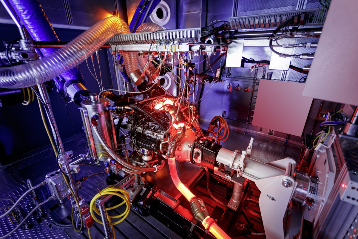 hight resolution of mercedes shows a glimpse of its new m178 engine undergoing extreme heat tests industry tap