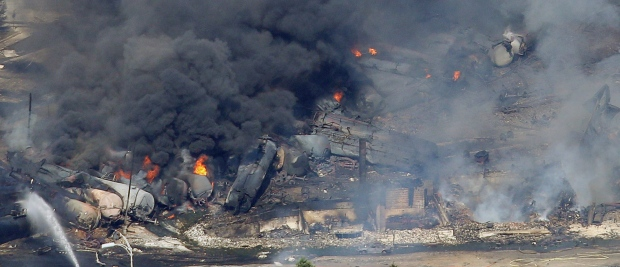 canada_lac-megantic_7_6_13_-train_wreck_.jpg