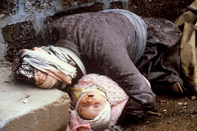 """Saddam'ın Kürtlere yönelik """"elma kokulu"""" katliamı: Halepçe   Independent  Türkçe"""
