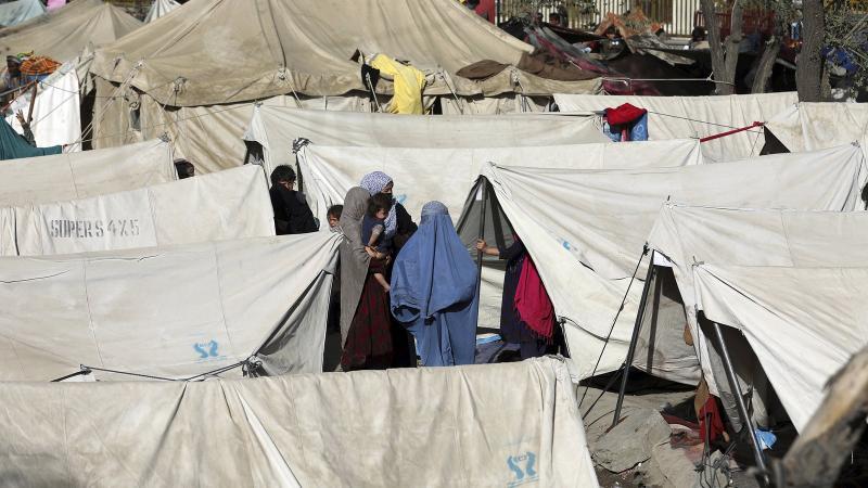 afganistan ve pakistan arasında mahsur kalan kadınlar afp.jpg