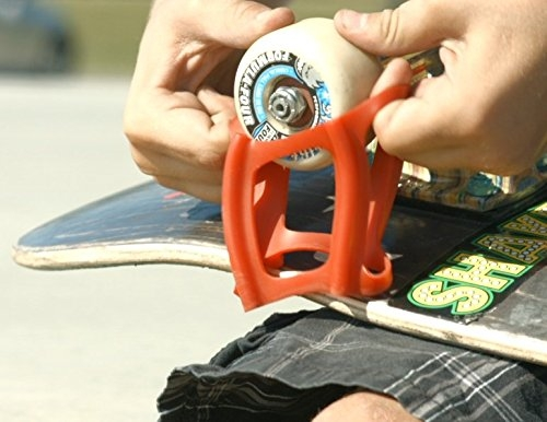 Accessory for Perfecting Your Ollie and Kick Flip-Learn