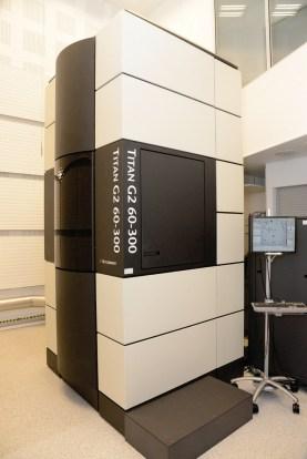Akademia Górniczo-Hutnicza, budynek A-2, Pracownia Mikroskopii Elektronowej, Laboratorium 9A, 2010