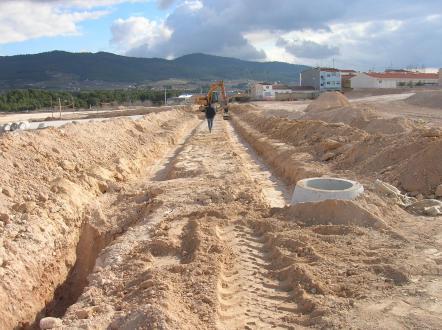 Excavación para canalización de red saneamiento