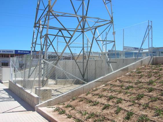 Construcción de vallados en parcelas o fincas con malla de simple torsión sobre muro presupuesto en Alicante