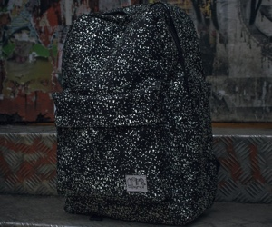 glow-in-the-dark-back-pack