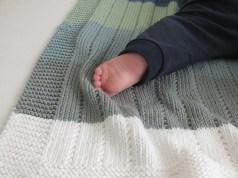auf den nadeln im juni die babydecke ist endlich fertig ines strickt. Black Bedroom Furniture Sets. Home Design Ideas