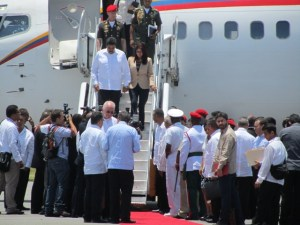 President Maduro makes his way down to greet President Donald Ramotar and other. [iNews' Photo]
