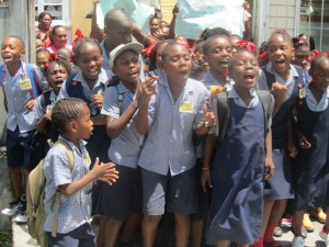 Students of the Thomas Moore Primary school protest during school hours. [iNews' Photo]