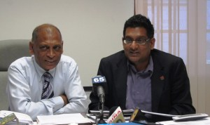Minister Dr Leslie Ramsammy and T&T's Agriculture Minister,  Devant Maharaj during a visit to Guyana. [iNews' Photo]