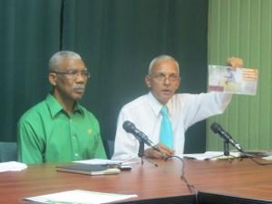 Opposition Leader David Granger (L) and Shadow Local Govt Minister Ronald Bulkan (R)