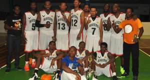 The Ravens basketball club after winning the first edition of the tournament in 2014.