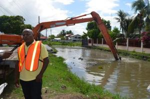 Neilson McKenzie on the site as work was continuing on the Liliendaal canal.