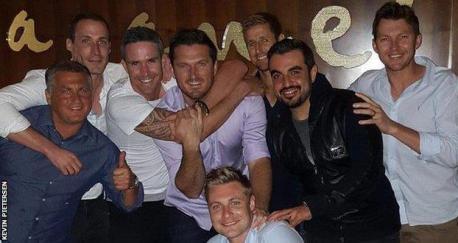 Former England stars Darren Gough, Simon Jones and Pietersen enjoying the Dubai nightlife with ex-South Africa batsman Graeme Smith and Brett Lee